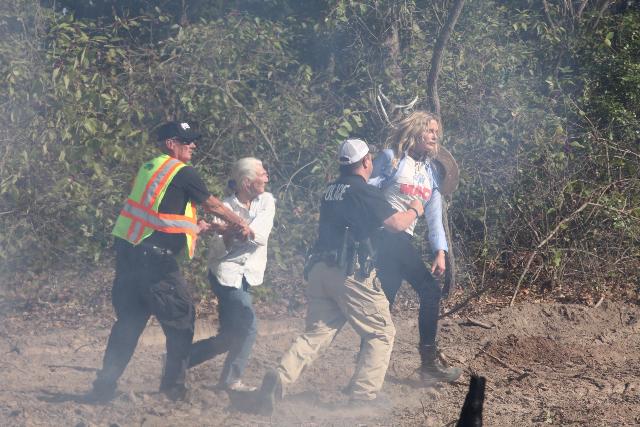 Tar Sands Blockade: Along with Landowner, Actress Daryl Hannah Arrested Img_0211