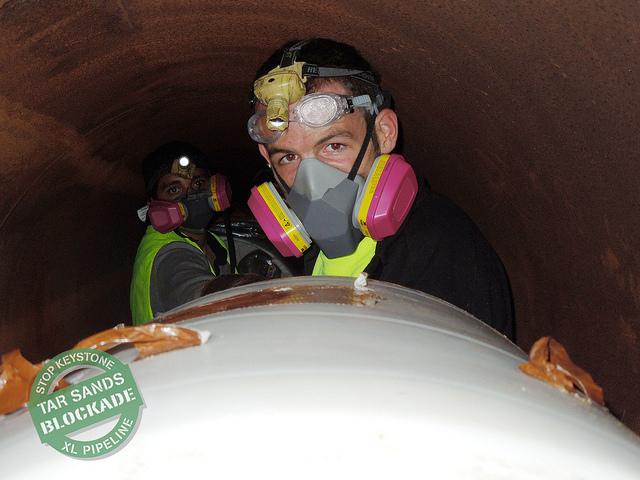 http://tarsandsblockade.org/wp-content/uploads/2012/12/Glenn-Gasmask.jpg